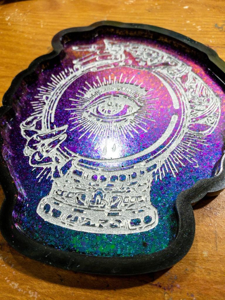 Rainbow color shift Fortuna tray.